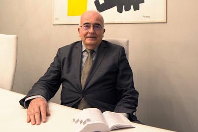 Immagini dell'avvocato Giuliano Manna